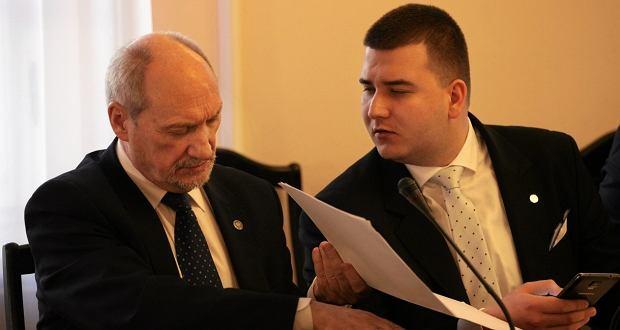 Min. Antoni Macierewicz i Barłomiej Misiewicz