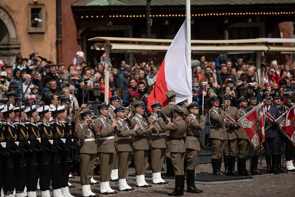 Uroczystości z okazji święta 3 maja na Placu Zamkowym w Warszawie 2019 r. (zdjęcie ilustracyjne)