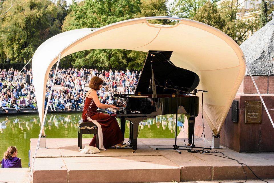 łazienki Królewskie Rozpoczynają Się Koncerty Chopinowskie