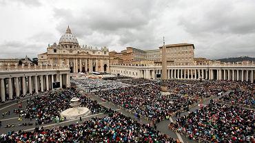 Plac Świętego Piotra w czasie mszy kanonizacyjnej JPII i Jana XXIII