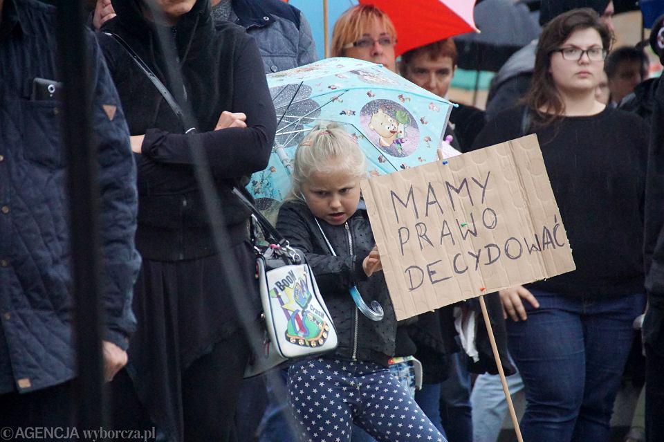 Zdjęcie numer 6 w galerii - Czarny protest w Zielonej Górze:
