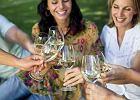 Polacy piją coraz więcej wina. Czyli awansowaliśmy społecznie. A najbardziej polubiliśmy prosecco