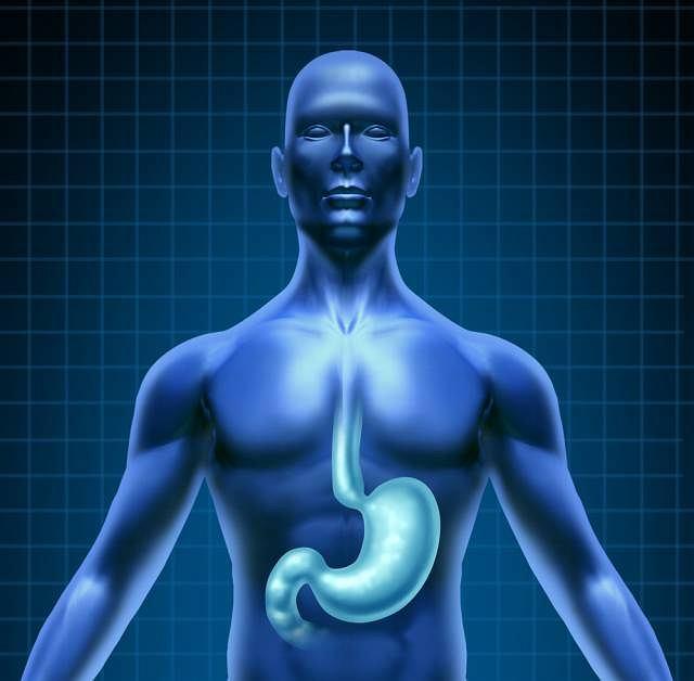 Ból w nadbrzuszu, zgaga i wymioty mogą oznaczać zapalenie żołądka