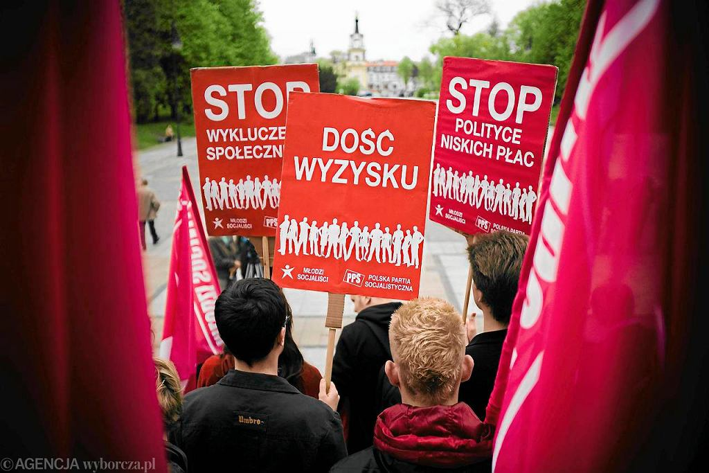 Marsz organizacji lewicowych i związków zawodowych w Białymstoku w 2010 r.