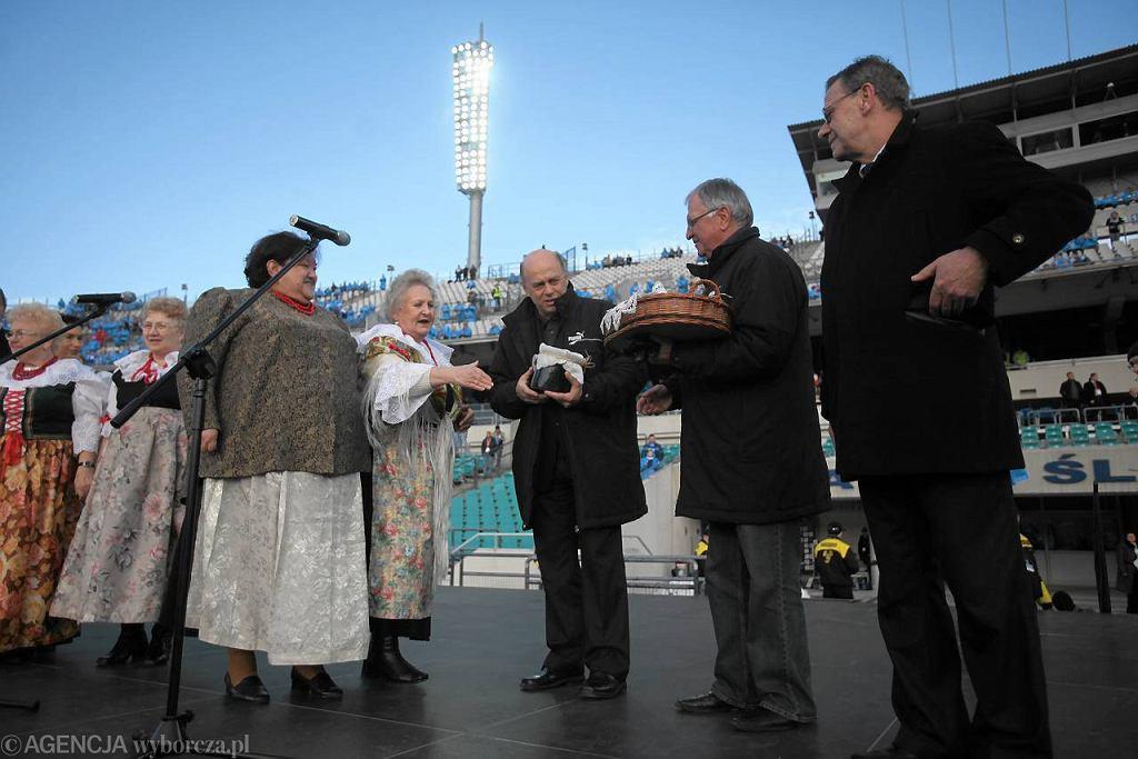 Antoni Piechniczek, Grzegorz Lato i Rudolf Bugdoł na Stadionie Śląskim podczas WDŚ w 2009