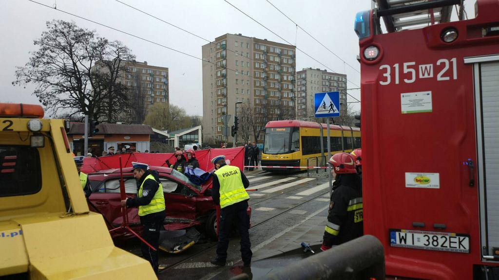 Warszawa. W sobotę rano na ul. Rembielińskiej doszło do śmiertelnego wypadku. Zginął instruktor jazdy