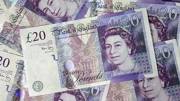 Kursy walut 11.06. Funt szterling w górę, dolar w dół [Kurs dolara, funta, euro, franka]