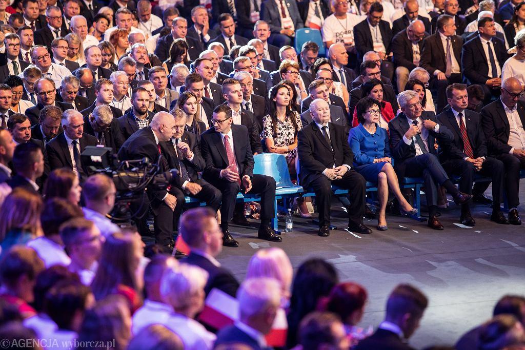 Jarosław Kaczyński i Mateusz Morawiecki - władze partyjne i państwowe zapowiadają - m.in. radykalne podwyżki płacy minimalnej. Konwencja PiS, Lublin, 7 września 2019
