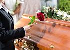 Finansujesz koszty pochówku bliskiej osoby? Wystąp do ZUS o zasiłek pogrzebowy i odprawę pośmiertną