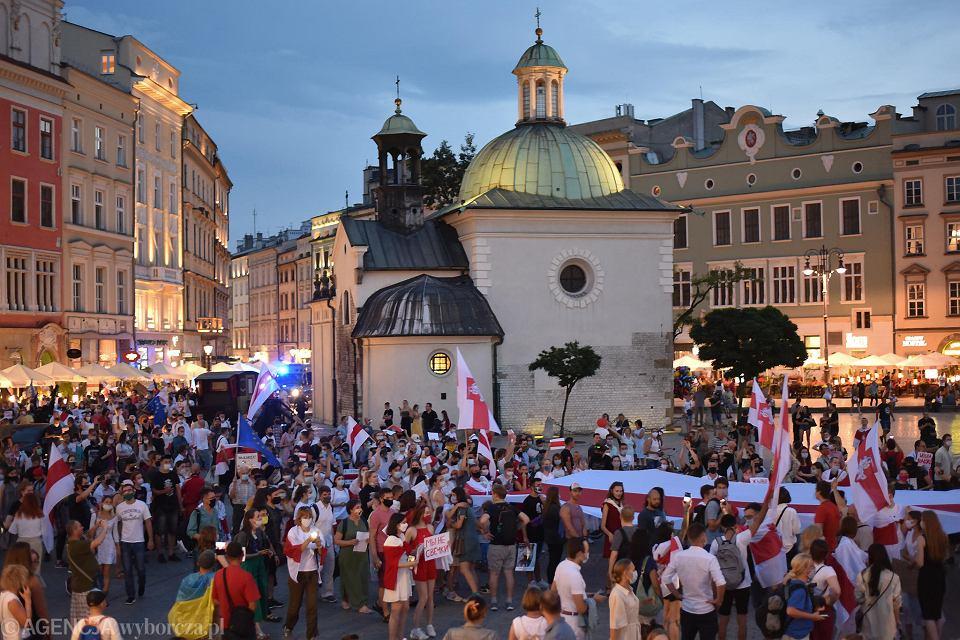 Marsz solidarności z Białorusinami w Krakowie