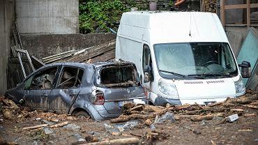 Żywioł siał spustoszenie we Włoszech. Grad niszczył samochody, a ogromna ulewa wywołała lawinę błotną
