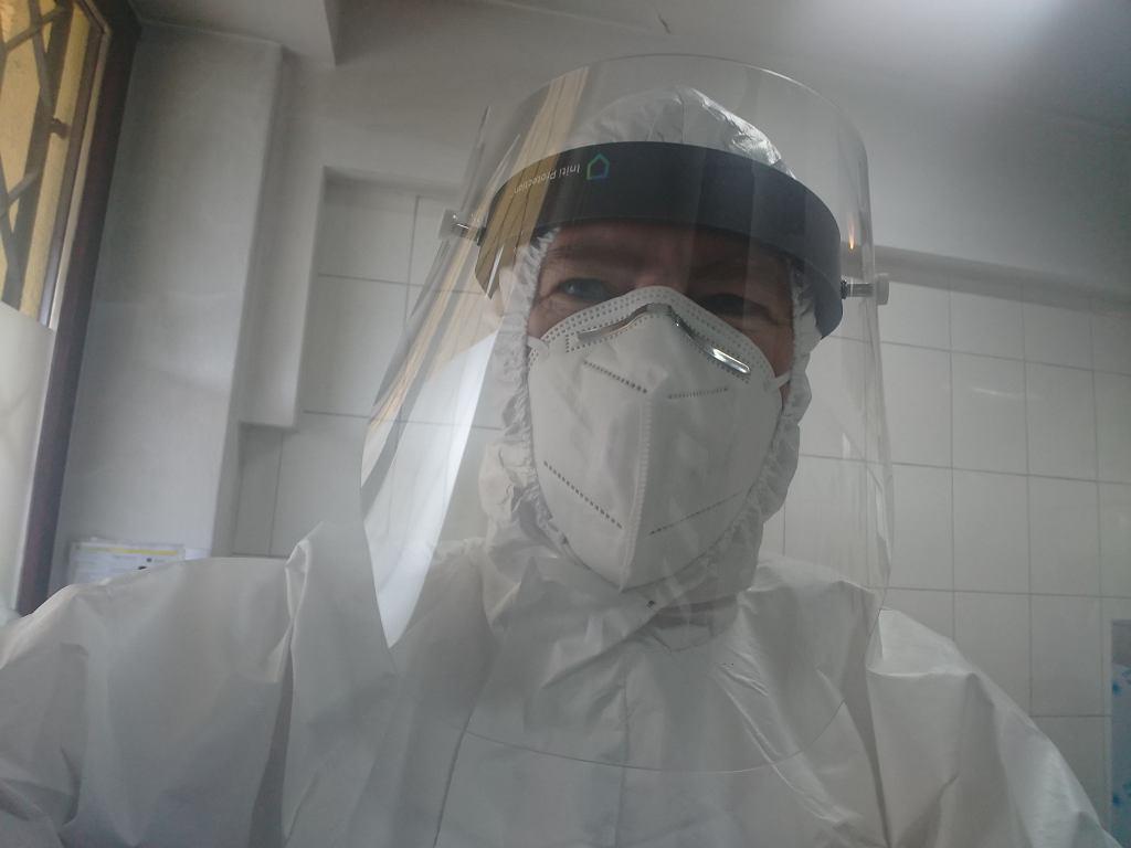 Położna w pracy w czasach koronawirusa