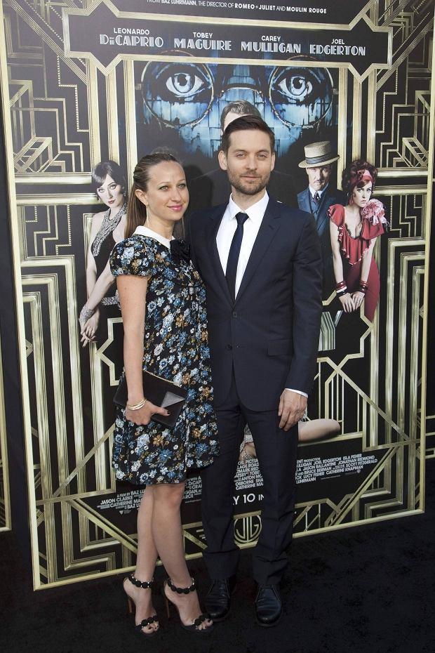 Jennifer Meyer Maguire and actor Tobey Maguire attend the 'The Great Gatsby' world premiere at Avery Fisher Hall at Lincoln Center for the Performing Arts in New York May 1, 2013. REUTERS/Andrew Kelly (UNITED STATES - Tags: ENTERTAINMENT)