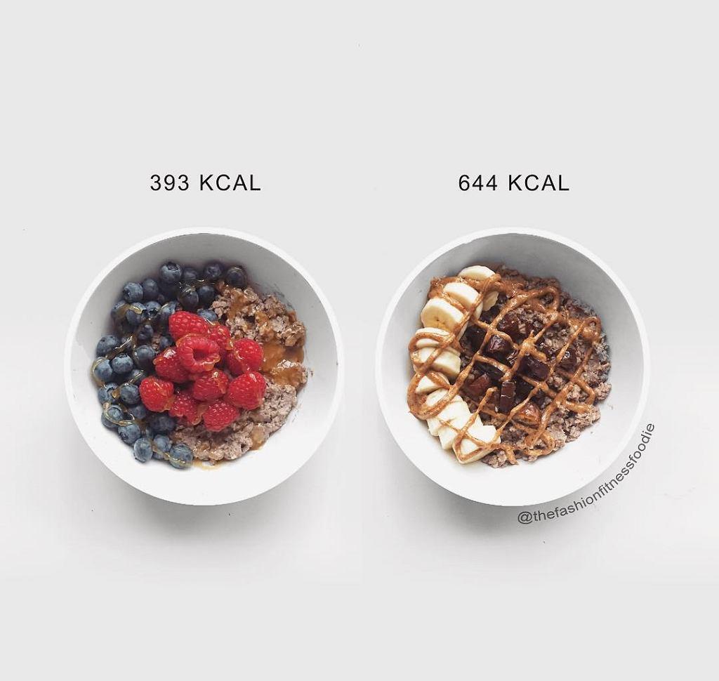 Owsianka w dwóch wydaniach. <br> pierwsza z nich: <br>40g płatków owsianych <br>miarka odżywki białkowej <br>250ml mleka migdałowego <br>60g malin <br>60g borówek <br>15g miodu manuka <br>druga owsianka: <br>40g płatków owsianych <br>miarka odżywki białkowej <br>250ml mleka migdałowego <br>banan <br>4 daktyle <br>20g masła orzechowego
