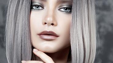 Silver hair to jedna z najbardziej modnych koloryzacji. Komu pasują siwe włosy i jak uzyskać taki srebrny kolor?
