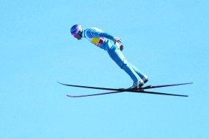 Wrócił najgorszy skoczek narciarski świata. Trzy skoki i wielka ulga Eddiego Edwardsa [WIDEO]