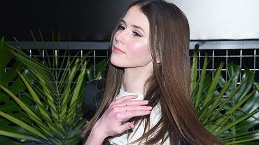 Roksana Węgiel zmieniła fryzurę. Teraz ma kolorowy look na zbuntowaną nastolatkę. Kogoś nam przypomina
