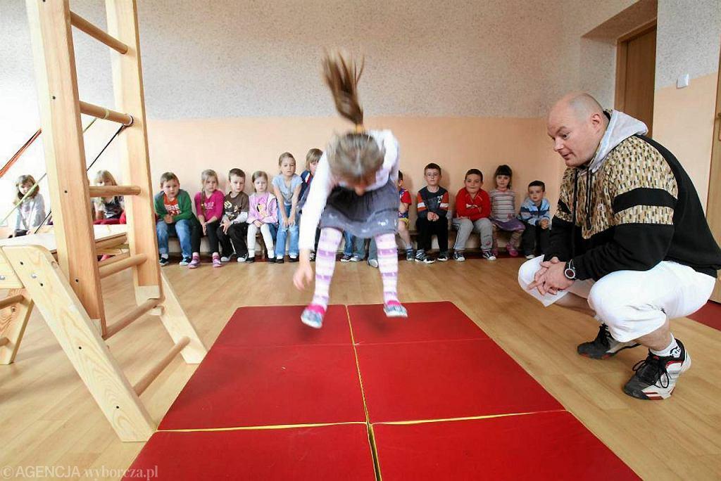 badanie sprawności dzieci w Przedszkolu