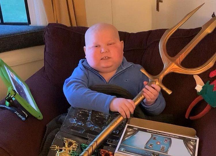 7-latek dostał prezent od Aquamana