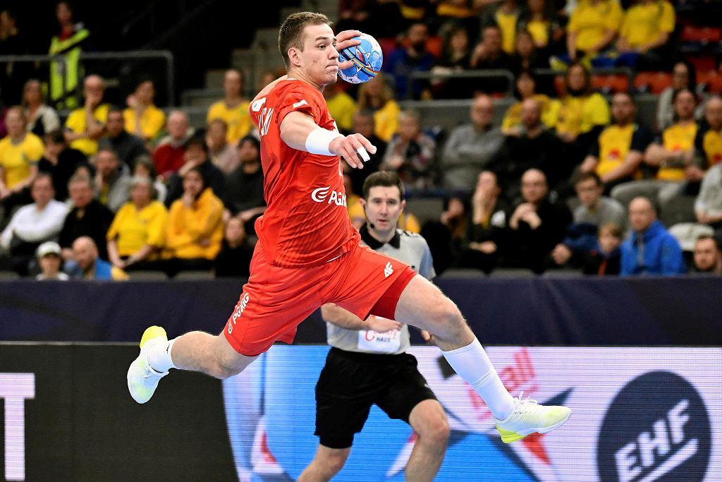 Mistrzostwa Europy w piłce ręcznej. Polska - Szwajcaria. Na zdjęciu Maciej Majdziński