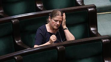 Krystyna Pawłowicz przekroczyła kolejną granicę. Komentuje 'piątkę' dla LGBT+ i pyta o związek mężczyzny z kozą
