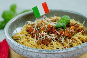 Przepis na klasyczne spaghetti bolognese [HAPS WORLD]