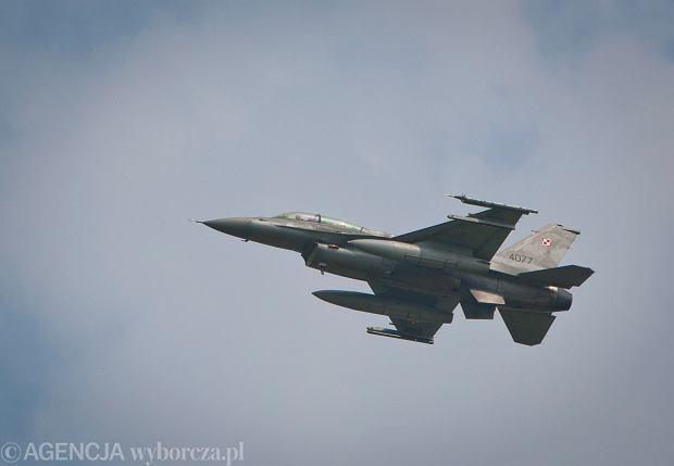31. Baza Lotnictwa Taktycznego Poznań Krzesiny. Kamil Stoch poleciał samolotem F-16.