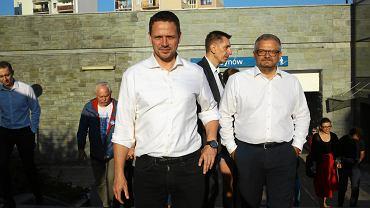Rafał Trzaskowski rozpoczął objazd 18 dzielnic o godz. 6 rano na Ursynowie