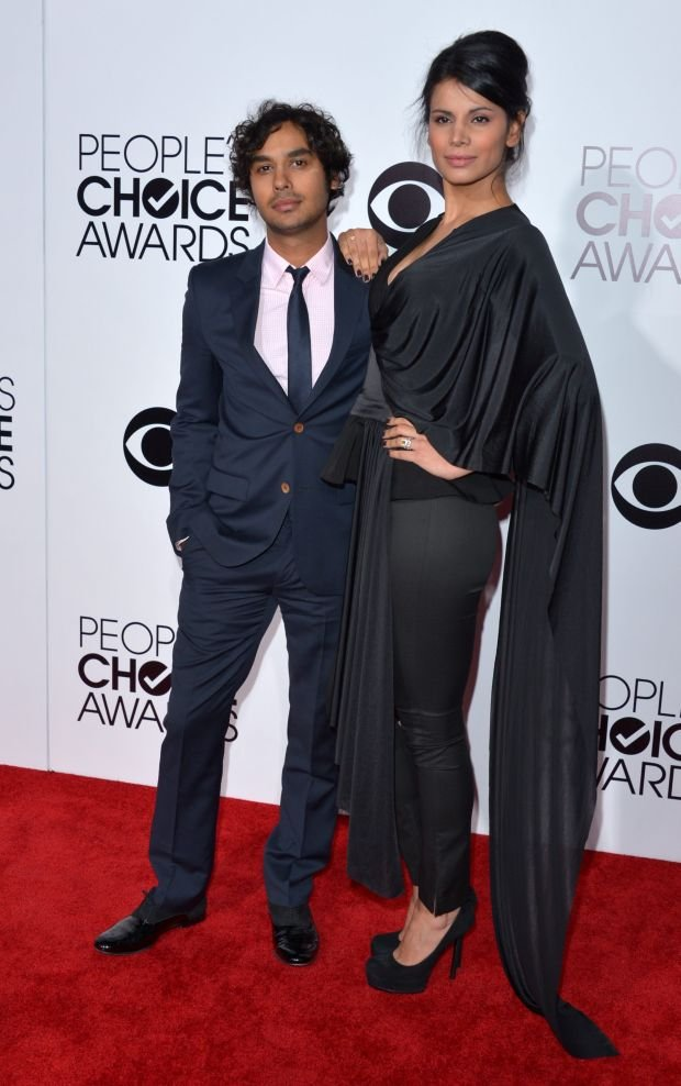 Kunal Nayyar, left, and Neha Kapur arrive at the 40th annual People's Choice Awards at Nokia Theatre L.A. Live on Wednesday, Jan. 8, 2014, in Los Angeles. (Photo by John Shearer/Invision/AP)