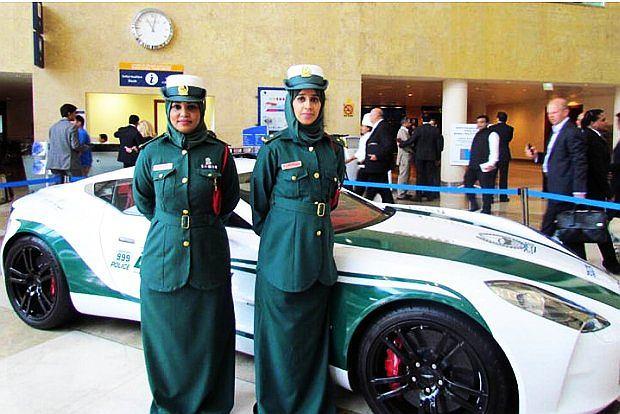 Aston Martin One77 policji w Dubaju