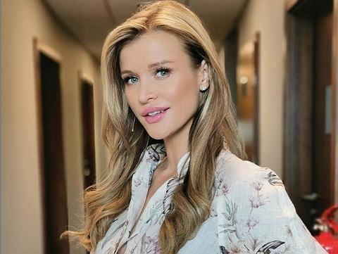 Joanna Krupa pokazała rosnący ciążowy brzuszek. Fanki: 'Który to już tydzień?'