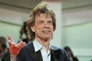 """Mick Jagger wie, jak robić niespodziankę - w sieci pojawił się solowy numer artysty zatytułowany """"Eazy Sleazy"""". Gościnnie w kawałku pojawia się Dave Grohl."""