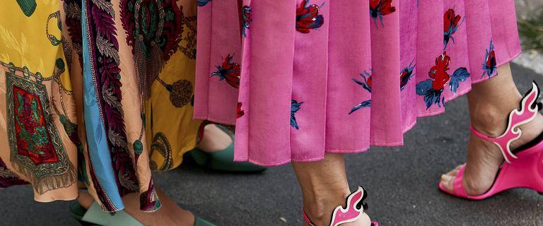 Modna sukienka, a może spódnica? Mamy perełki z Aliexpress do 80 zł, na których punkcie oszalały topowe fashionistki!