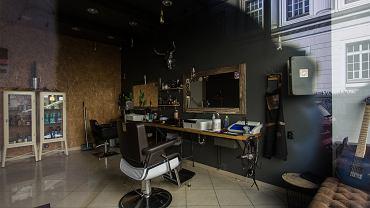 Kiedy otwarcie salonów fryzjerskich i kosmetycznych? Będą działały na szczególnych zasadach
