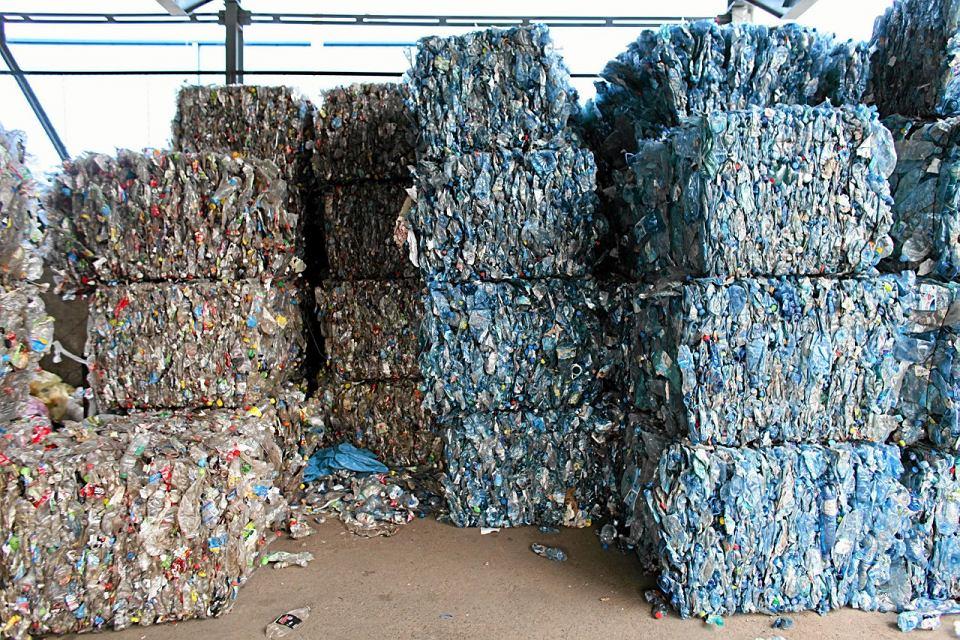 System Indywidualnej Segregacji Odpadów jest systemem kontroli i nadzoru nad segregacją odpadów, gromadzeniem ich i odbiorem