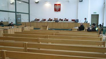 Katowice, Koszarowa, sala przygotowana na proces członków gangu kiboli z Psycho Fans