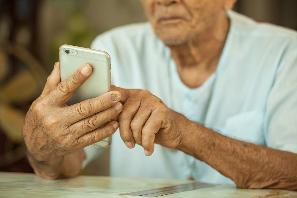 Korzystanie z Facebooka może być korzystne dla zdrowia psychicznego starszych osób