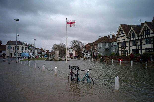 Datchet w Berkshire - powódź stulecia w Wielkiej Brytanii