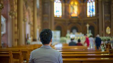 Msza święta online na żywo - gdzie obejrzeć? Liturgia, jak co niedzielę będzie transmitowana w TV, radiu i internecie.
