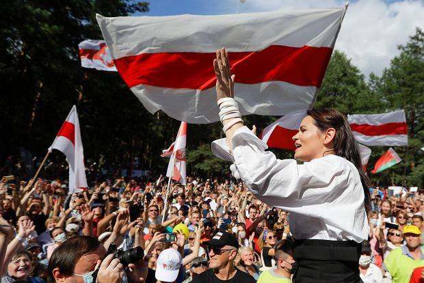 Swiatłana Cichanouska na wiecu w Brześciu.