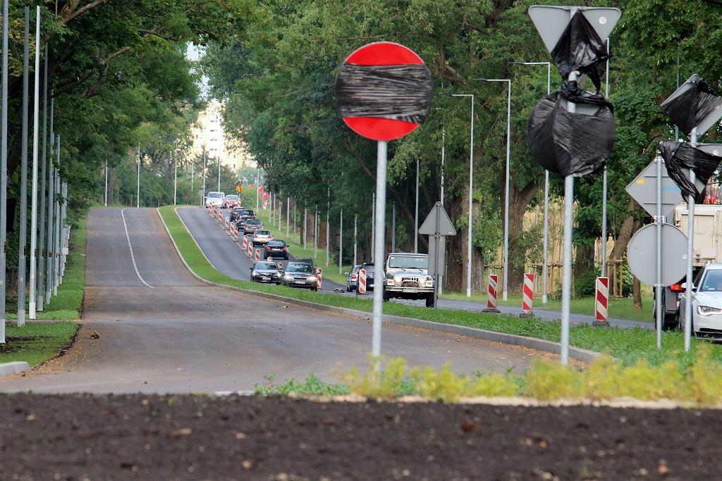 Lipiec 2021 r. Za chwilę wszystkie pasy na przebudowanej Myśliborskiej nareszcie powinny być dostępne dla kierowców
