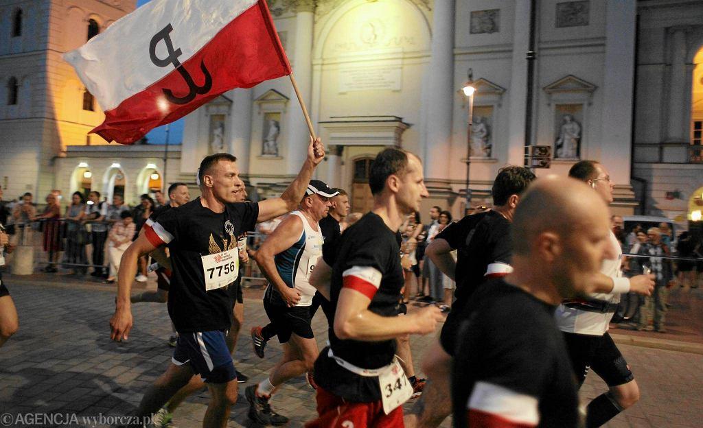 Ubiegłoroczny Bieg Powstania Warszawskiego był jednym z pierwszych wydarzeń, którymi uczczono 70. rocznicę walk o stolicę. Wystartowało w nim w sobotę 10 tys. biegaczy