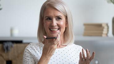 Odmładzające fryzury dla 60 latek, które będą modne jesienią 2020 [ZDJĘCIA]