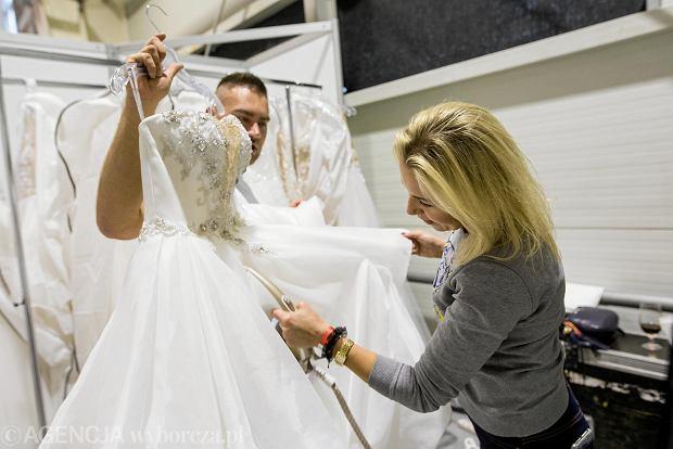Zdjęcie numer 26 w galerii - Wizażyści, cukiernicy, pokazy mody i konkursy. Pierwszy dzień targów ślubnych Ona & On [ZDJĘCIA]