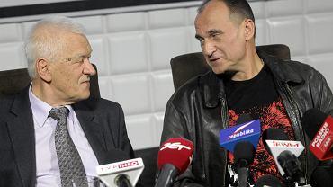 Kornel Morawiecki i Paweł Kukiz podczas podsumowania kampanii wyborczej KUKIZ 15 w 2015 roku
