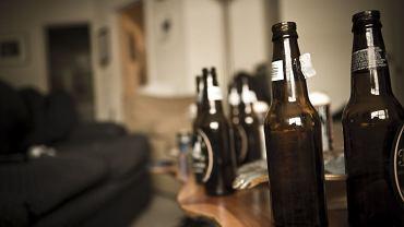 Bóle głowy, zawroty głowy, mdłości, uczucie rozbicia - brzmi znajomo? To nic innego jak zatrucie organizmu alkoholem.