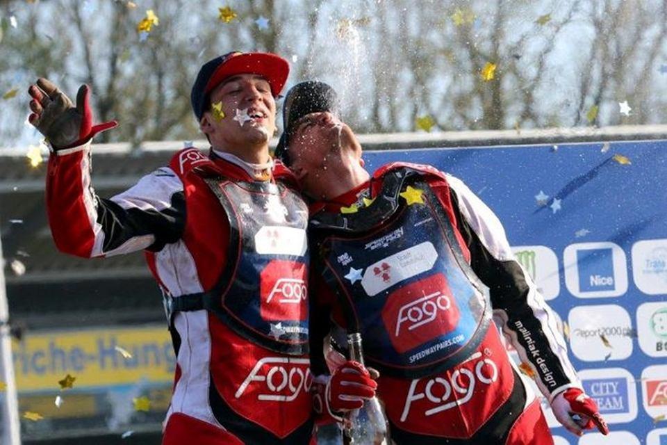 Bartek Zmarzlik i Piotr Pawlicki walczący jako Fogo Power wygrywają cykl Speedway Best Pairs 2016