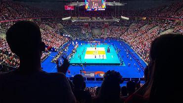 Polska wygrała z Serbią 3:2 (25:21, 23:25, 20:25, 25:20, 16;14) w drugim meczu grupy A mistrzostw Europy w siatkówce mężczyzn. Po zwycięskim tie-breaku Tauron Arena Kraków eksplodowała z radości.
