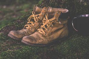 W tych butach przechodzisz cały dzień. Powinny być wygodne i zapewniać bezpieczeństwo. Jak dobrać buty trekkingowe?