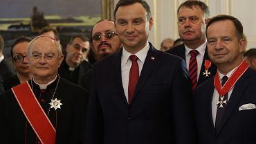 Prezydent Andrzej Duda wręczył Krzyż Wielki Orderu Odrodzenia Polski abp. Hoserowi
